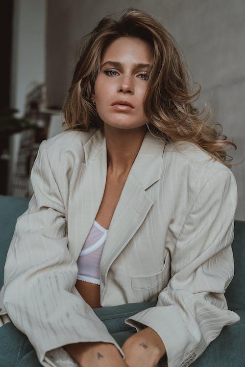 Foto profissional grátis de adulto, atraente, beleza