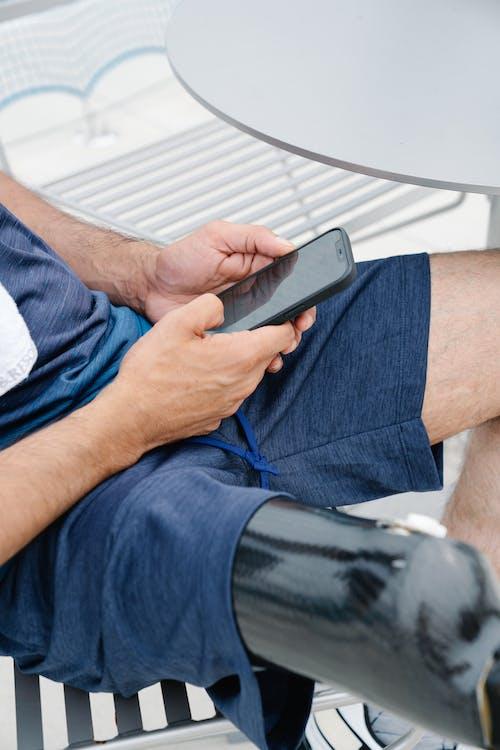 Foto d'estoc gratuïta de a l'aire lliure, assegut, enfocament selectiu