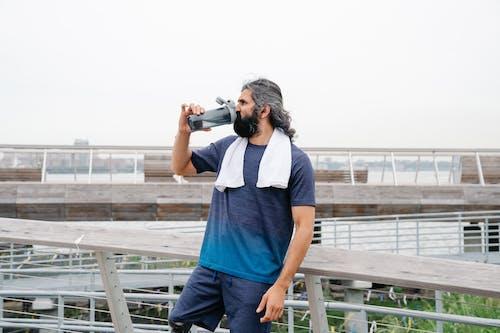 açık hava, adam, aktif hayat tarzı içeren Ücretsiz stok fotoğraf