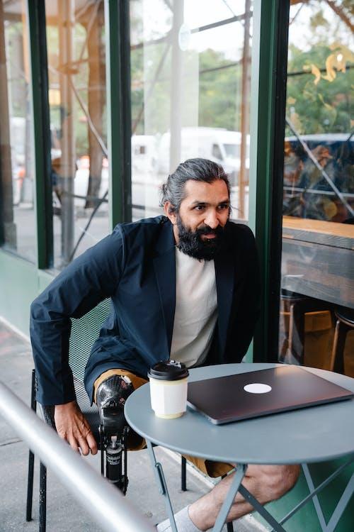 Ingyenes stockfotó álló kép, amputált, asztal témában