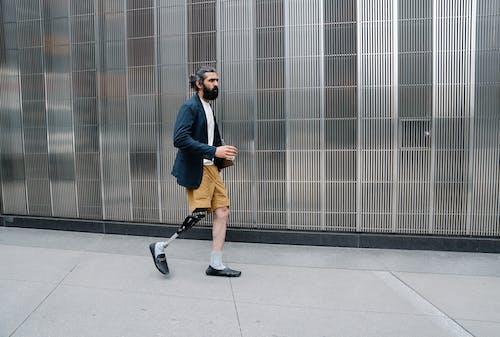 休闲服装, 假腿, 側面圖 的 免费素材图片