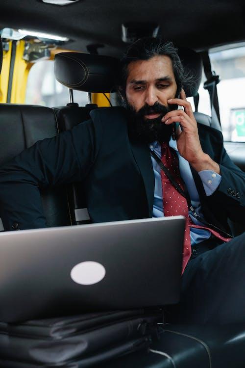 Ingyenes stockfotó arab férfi, beszél, dolgozó témában