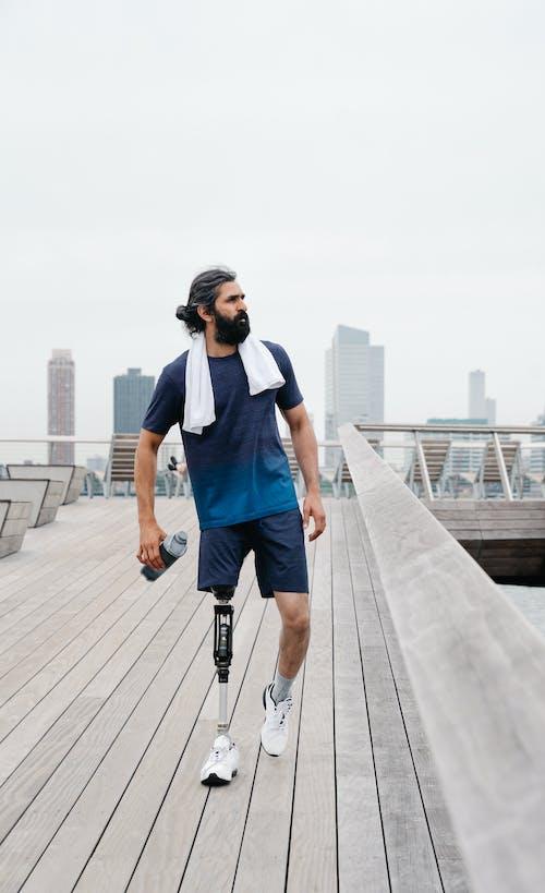 t恤, 人, 假腿 的 免费素材图片