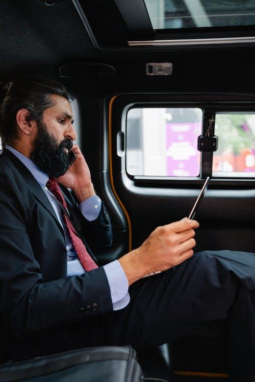 Základová fotografie zdarma na téma digitální nomád, mluvit po telefonu, multitasking