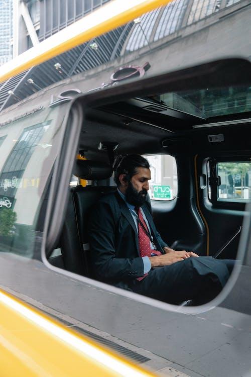 Základová fotografie zdarma na téma digitální nomád, obsazený, okno auta