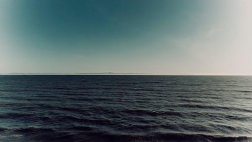 Foto d'estoc gratuïta de aigua, Costa, distància, líquid