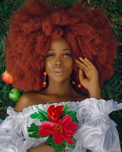 곱슬머리, 꽃, 녹색의 무료 스톡 사진