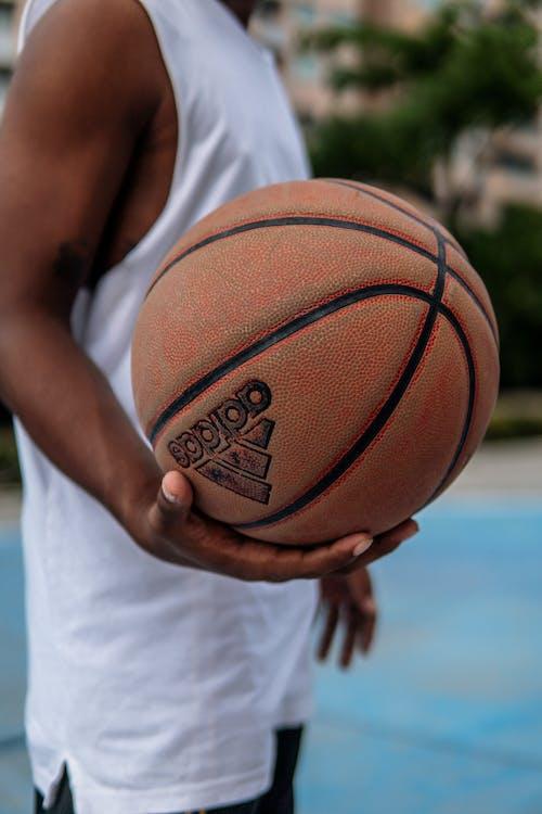 Immagine gratuita di adulto, attrezzatura sportiva, avvicinamento