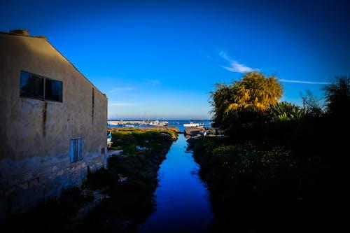 Gratis lagerfoto af arkitektur, både, blå, blå himmel