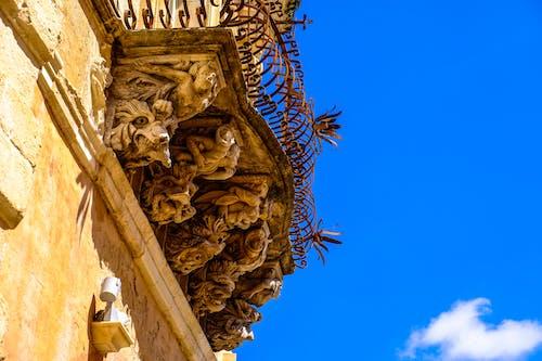 Foto d'estoc gratuïta de art, balcó, barroc, cel