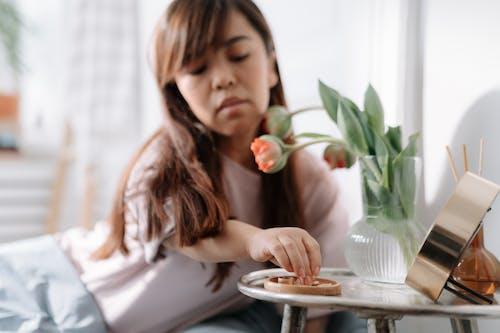 Δωρεάν στοκ φωτογραφιών με γυναίκα, ημέρα, κομμένα άνθη
