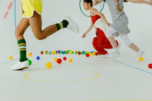 Fotobanka sbezplatnými fotkami na tému akčná energia, bežať, colorfu