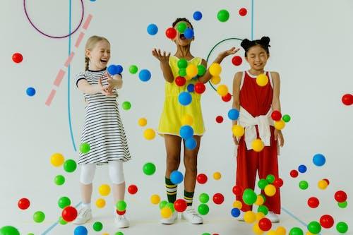 Fotobanka sbezplatnými fotkami na tému balón, deti, dieťa
