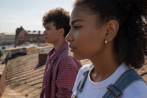 Photos gratuites de adolescent, amour, bâtiment