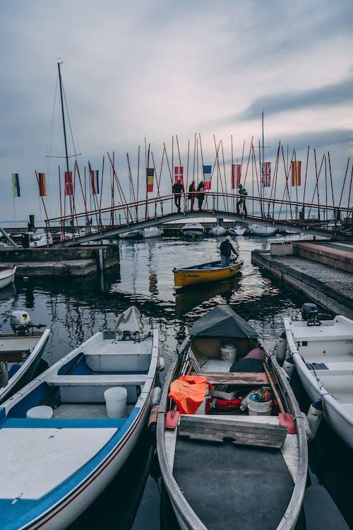 Foto profissional grátis de águas calmas, águas tranquilas, férias no lago, lago de Garda