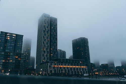 가벼운, 거리, 건물 외장의 무료 스톡 사진
