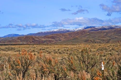 çöl, dağlar, doğa, gökyüzü içeren Ücretsiz stok fotoğraf