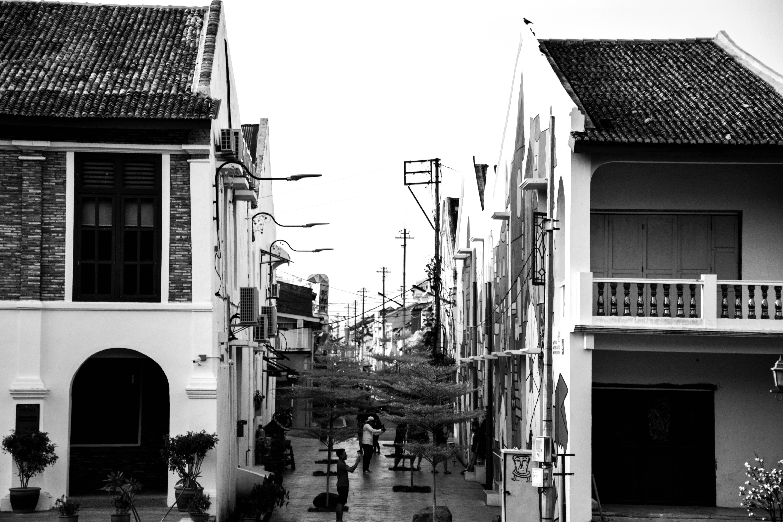 Free stock photo of black-and-white, graffiti, vintage, street art
