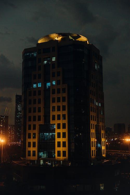 Darmowe zdjęcie z galerii z ekstremalne zbliżenie, kamienica, nocny krajobraz