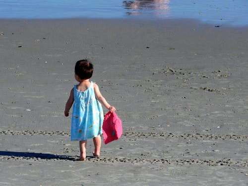 Free stock photo of beach, little girl, ocean