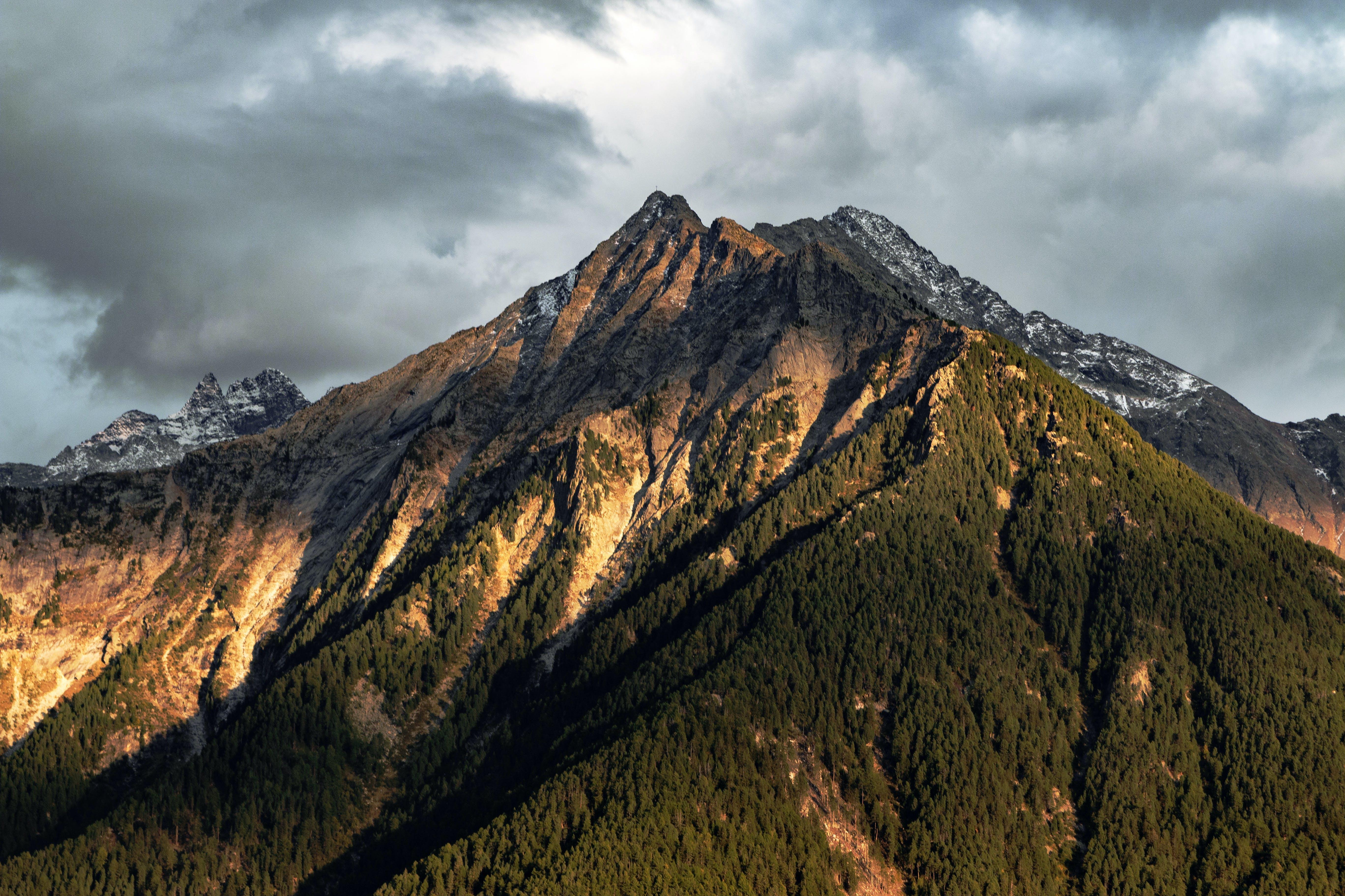 Kostenloses Stock Foto zu abend, abenteuer, bäume, berge