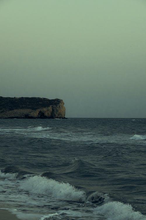 Foto profissional grátis de água, ao ar livre, beira-mar