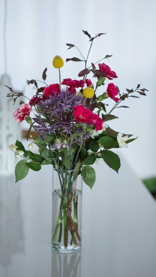 室內, 花, 花束, 花瓶 的 免费素材照片