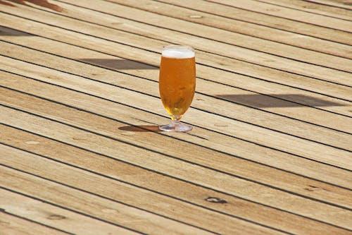 Kostnadsfri bild av dryck, glas, golv, minimalism