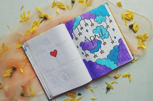 Fotos de stock gratuitas de color, colores, cuaderno, dibujando