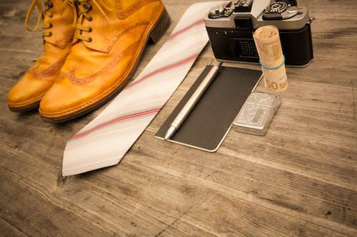 Ingyenes stockfotó cipő, euró, fényképezőgép, köt témában