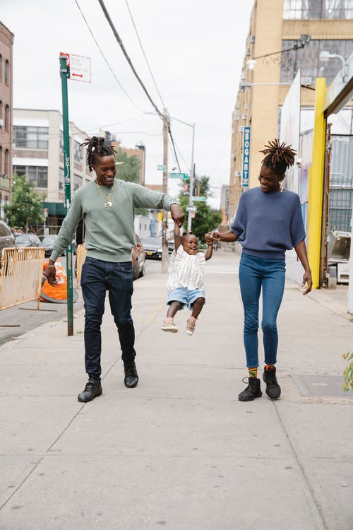 Foto d'estoc gratuïta de a l'aire lliure, afroamericà, alegre