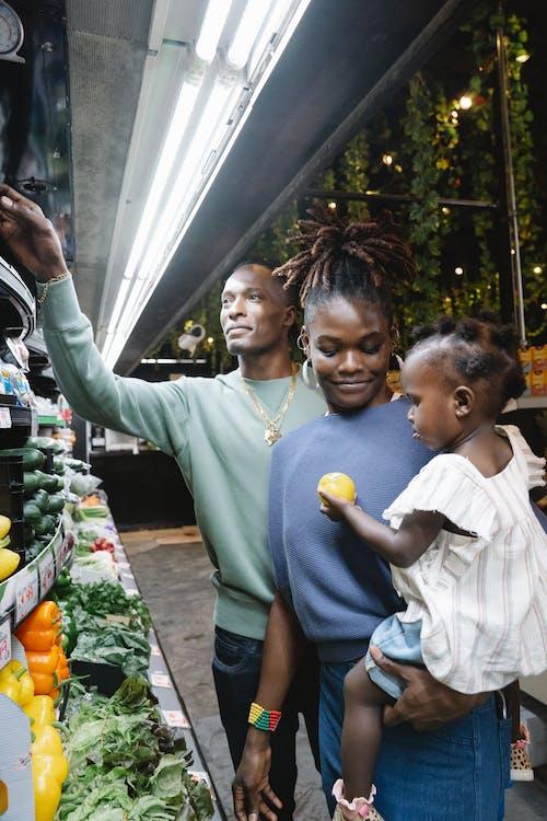 Foto d'estoc gratuïta de afroamericà, botiga de queviures, comestibles