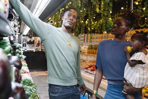 Gratis stockfoto met aanschaffen, Afro-Amerikaans, boodschappen