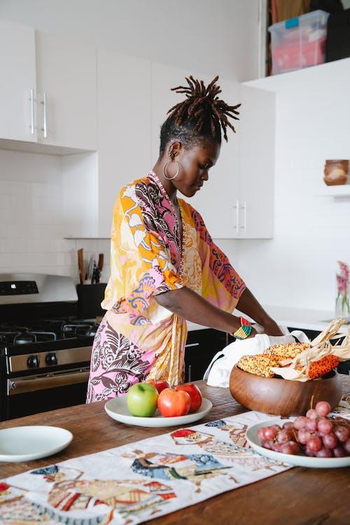 Fotos de stock gratuitas de arreglando, comida, encimera de cocina