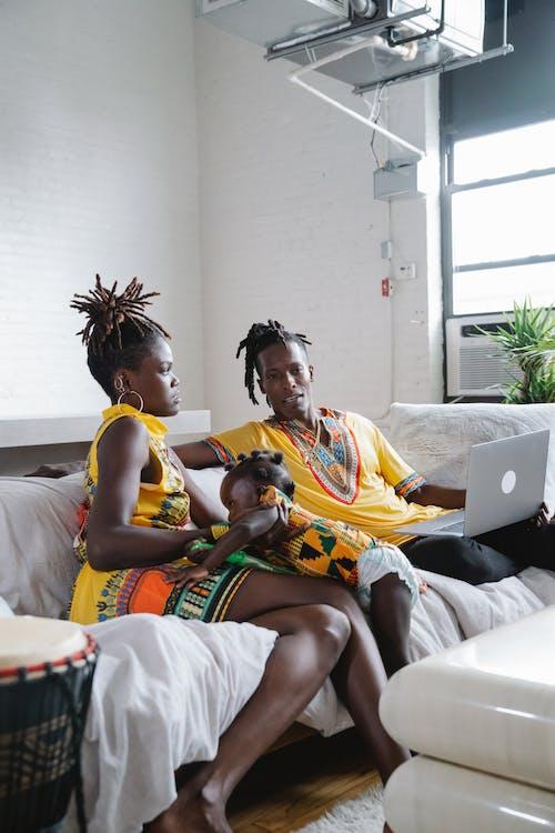 Gratis lagerfoto af afroamerikansk, barn, bonding