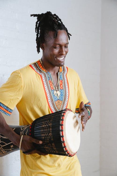 Fotos de stock gratuitas de feliz, hombre, hombre afroamericano