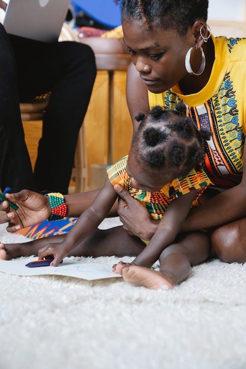 Moeder Speelt Met Haar Dochter