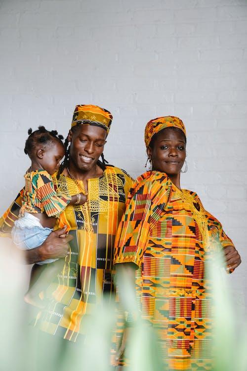 Fotos de stock gratuitas de afroamericano, celebrando, de pie