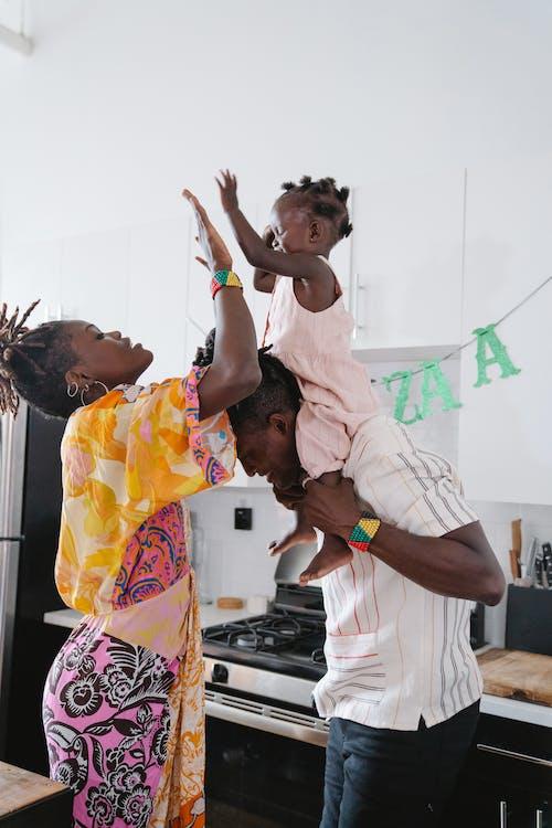 Photos gratuites de affection, afro-américain, bonheur
