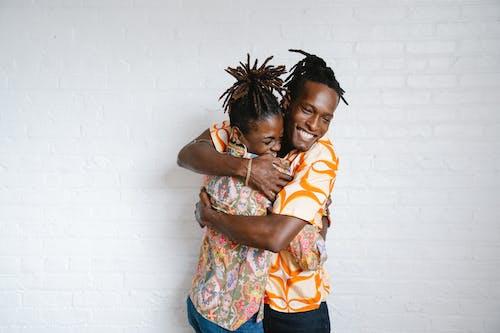 Photos gratuites de affection, couple, dreadlocks