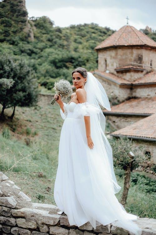 Ilmainen kuvapankkikuva tunnisteilla aikuinen, asu, avioliitto