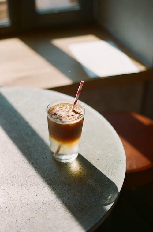 Gratis arkivbilde med drikke, glass, halm