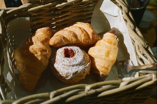 Fotos de stock gratuitas de azúcar, cruasán, hojaldre, horneando