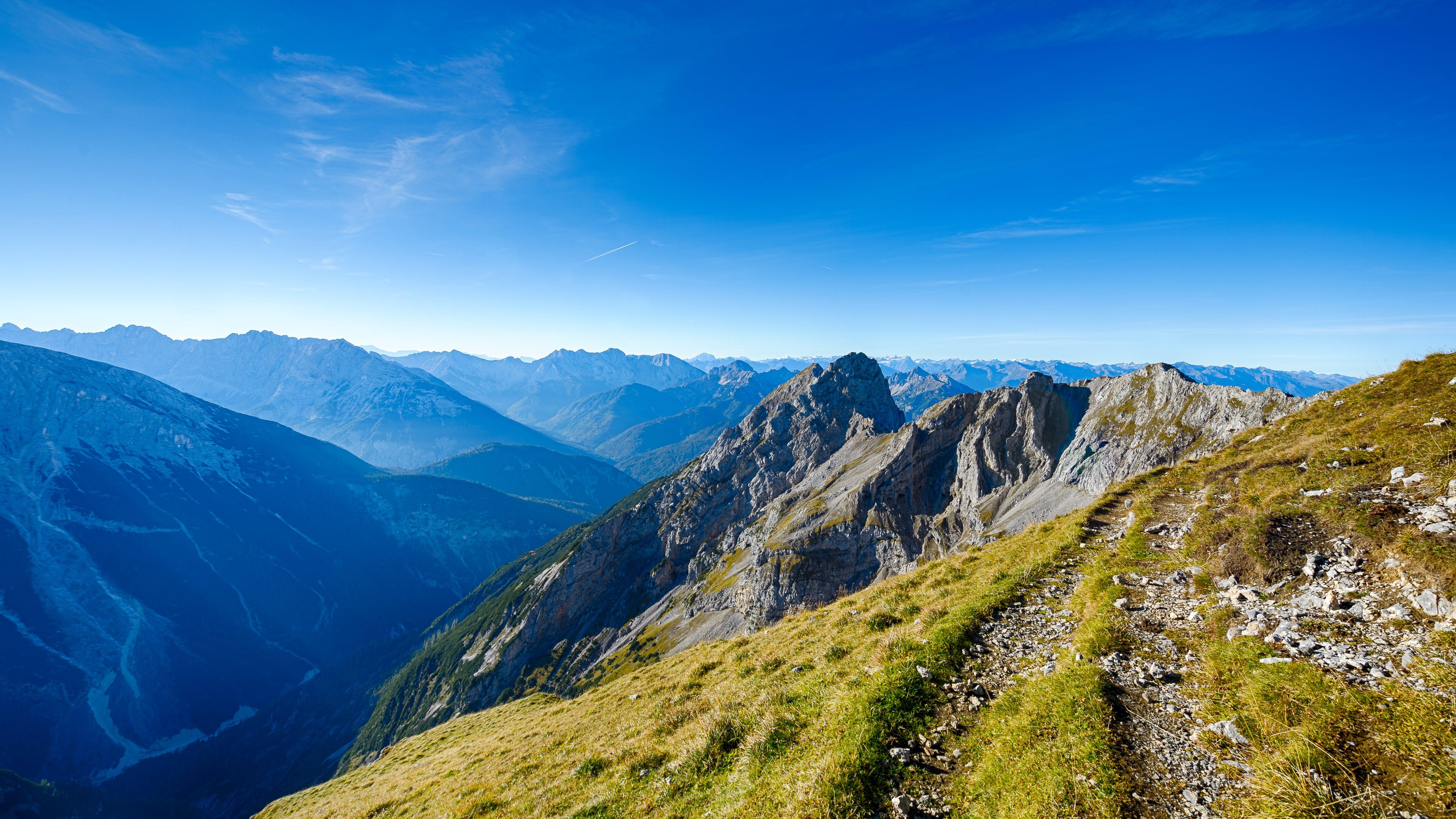 4k-baggrund, bjerge, bjergtinde
