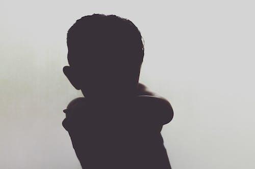 Foto d'estoc gratuïta de fosc, nens, ombres