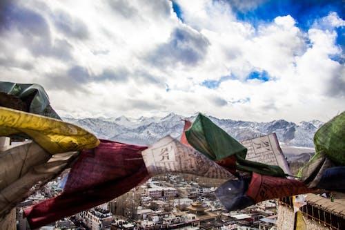Gratis lagerfoto af bjerge, bjergkæde, bjergtop, bjergtoppe