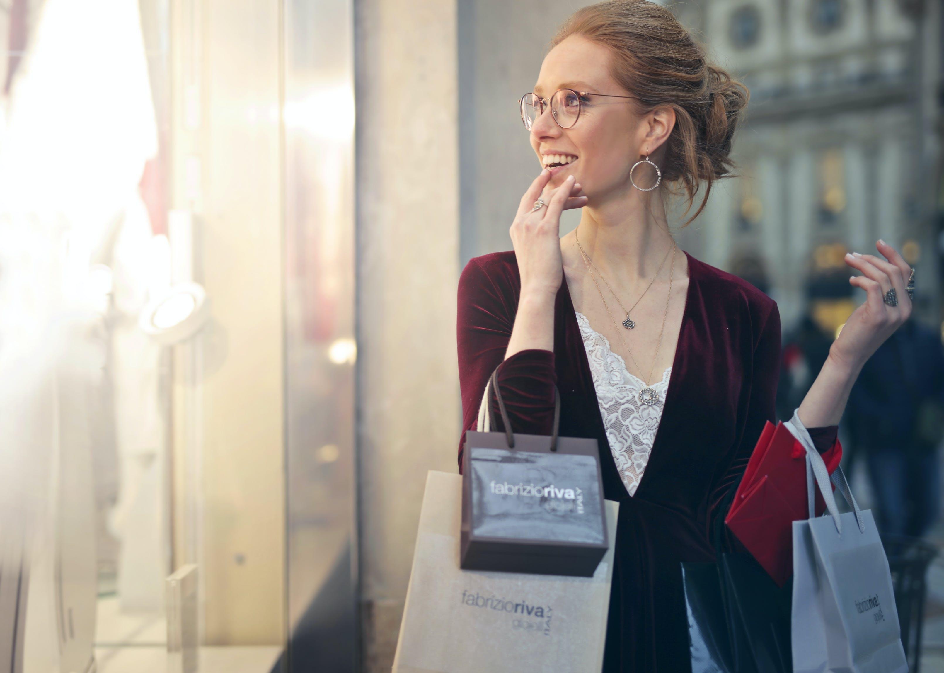 Kostenloses Stock Foto zu fashion, person, frau, beleuchtung