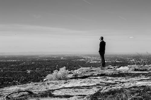 Základová fotografie zdarma na téma dospělý, kámen, kopec, krajina