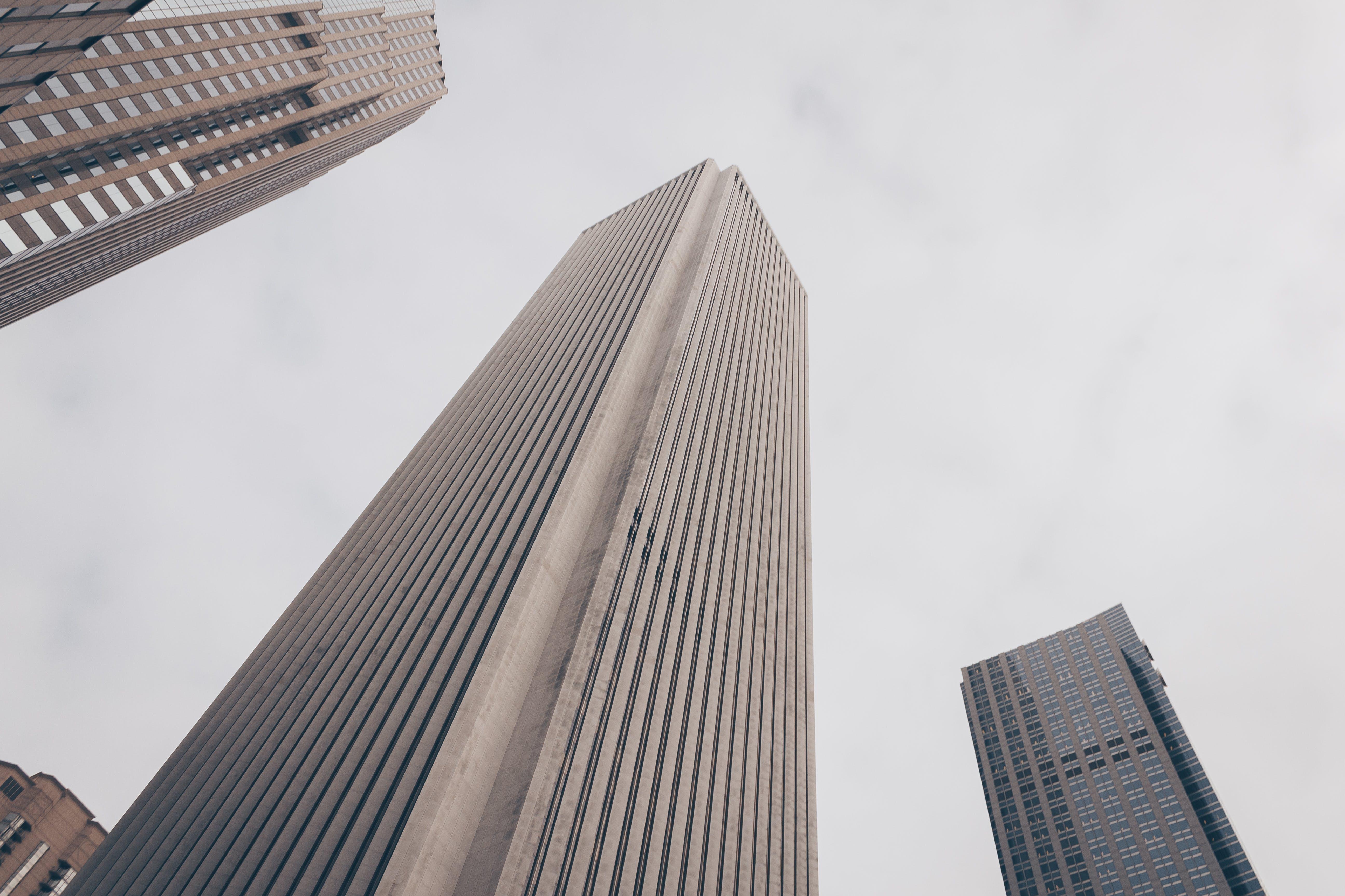 Immagine gratuita di alto, architettura, centro città, cielo