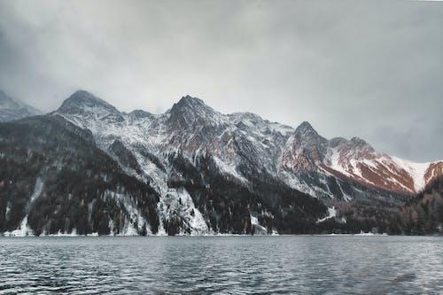 Gratis lagerfoto af bjerg, bjerge, bjergtinde, dagslys